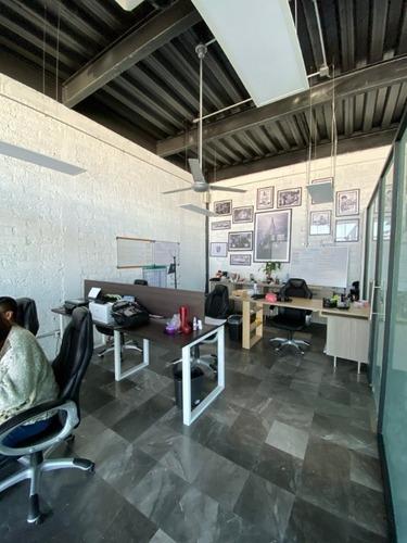 renta oficina en corregidora dentro de corporativo de lujo