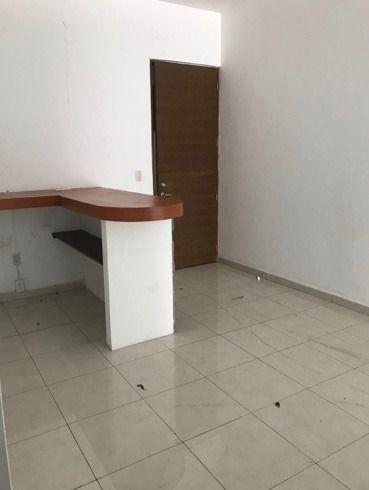 renta oficina en zona dorada en vista hermosa clave or745
