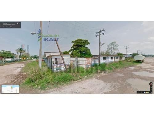 renta terreno 1870 m² colonia la victoria tuxpan veracruz, se encuentra ubicado a unos pasos del muelle, en la calle aquiles serdan esquina con calle dos norte, cuenta con 1870 m², son 42 m. de frent
