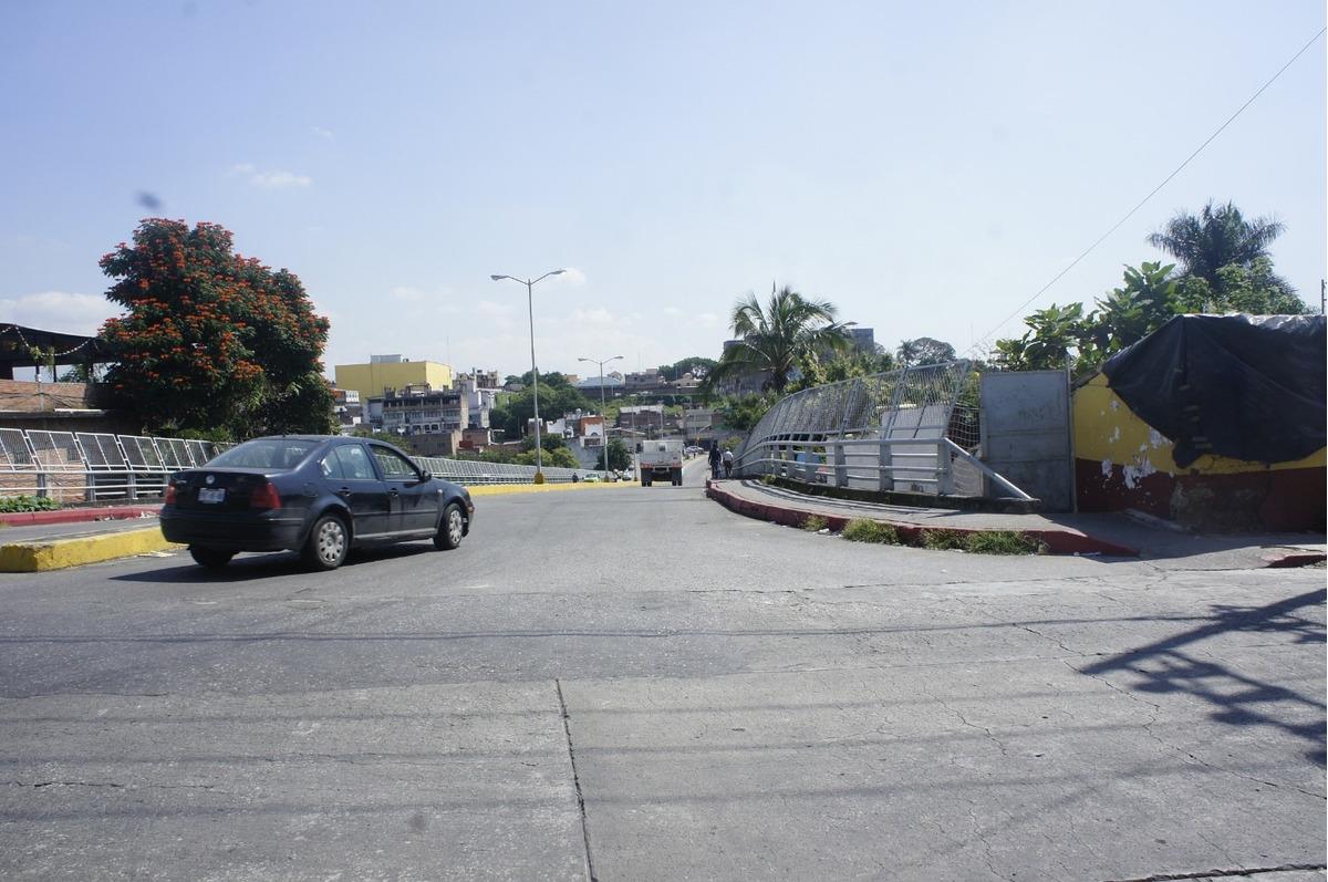 renta terreno muy cercano al centro de cuernavaca en esquina