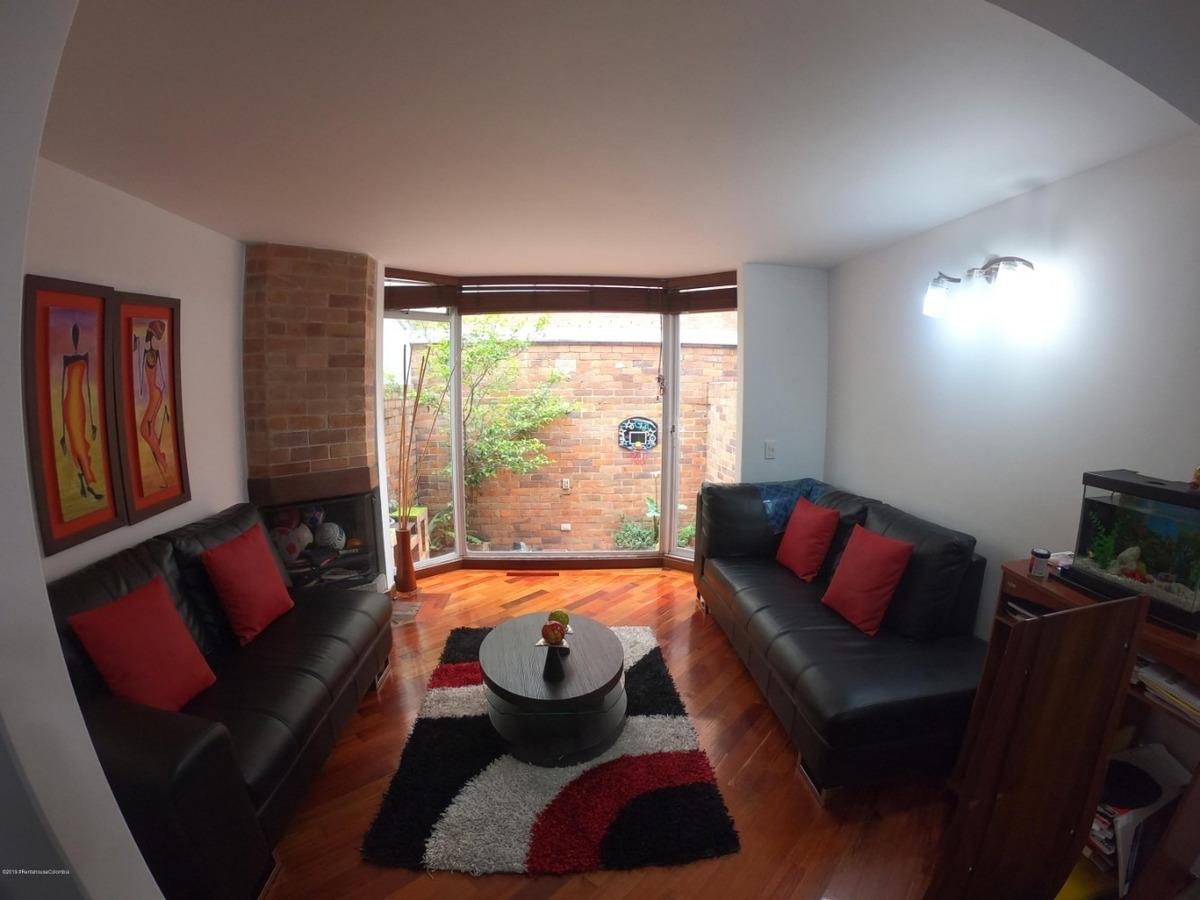 rentahouse vende apartamento en cedritos mls 19-1042