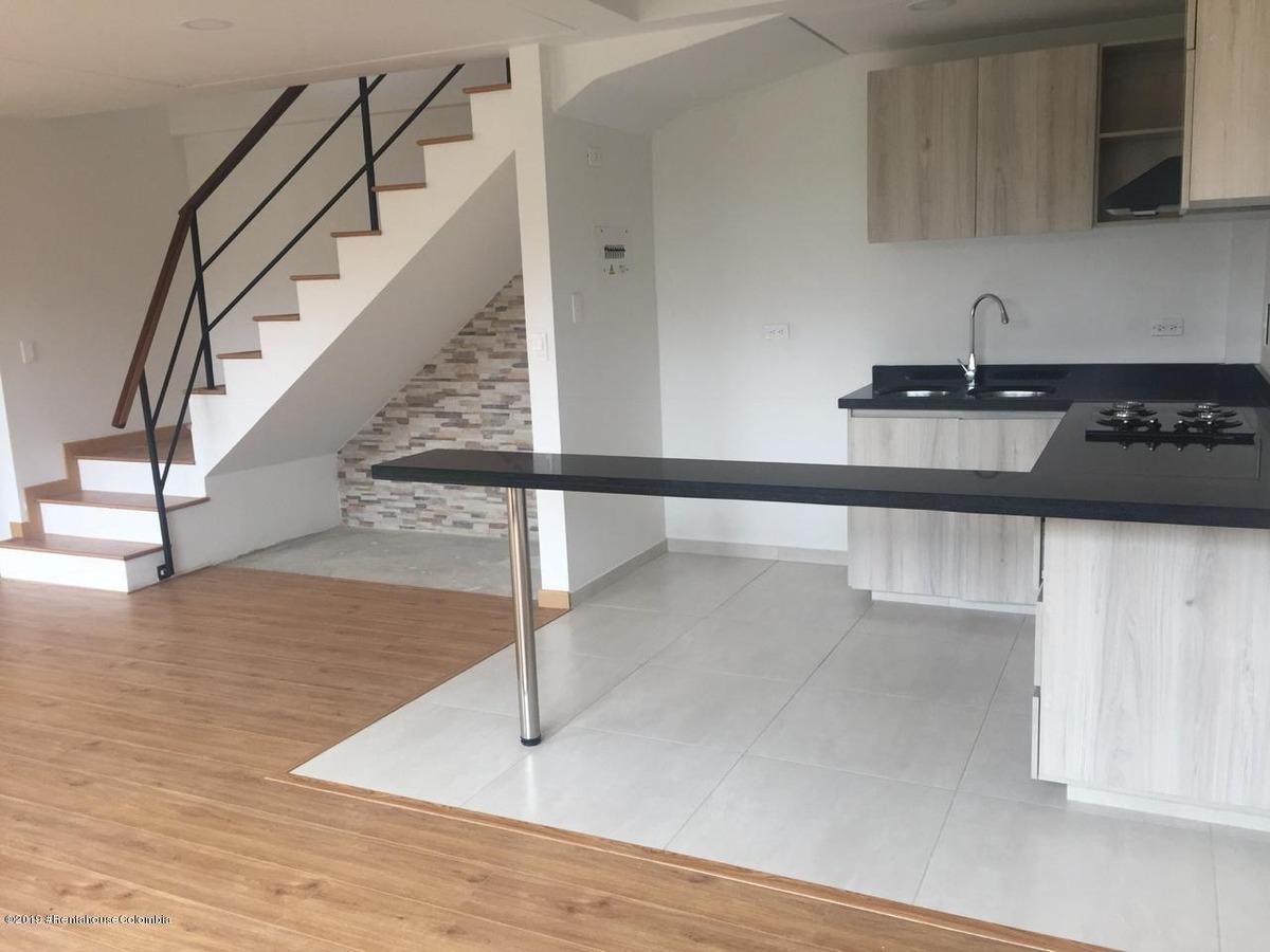 rentahouse vende casa en cajica mls 19-716