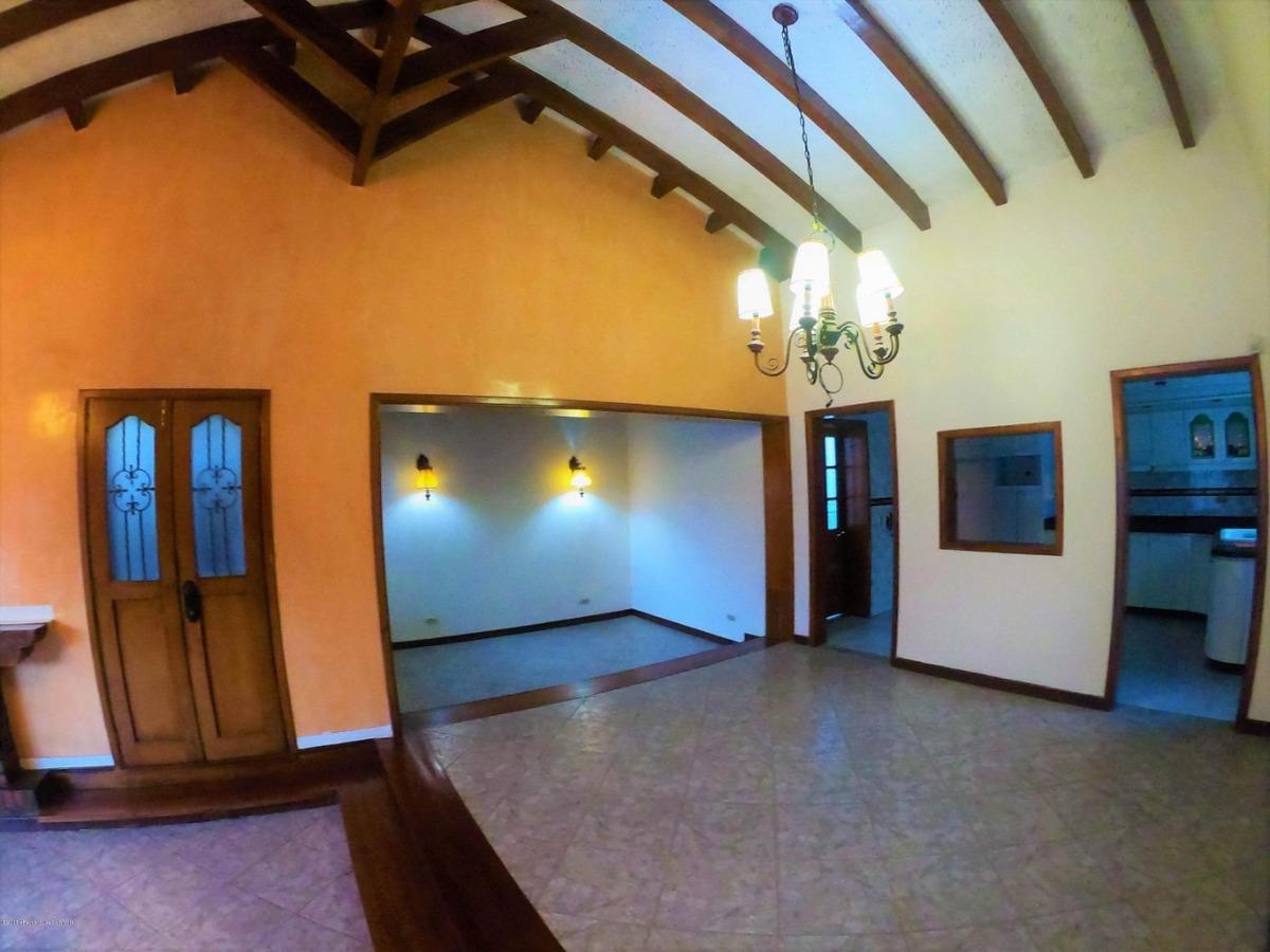 rentahouse vende casa en cajica mls 19-94
