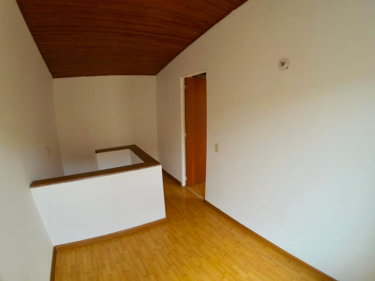 rentahouse vende casa en modelia mls 19-367