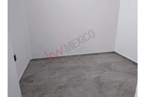 rento amplia casa en álamos 3a. sección, queretaro en $ 28,000  pesos mensual.