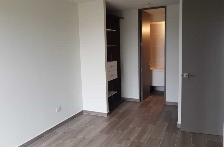rento apartamento en zona 11