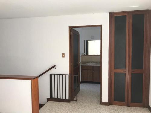 rento casa en zona 10