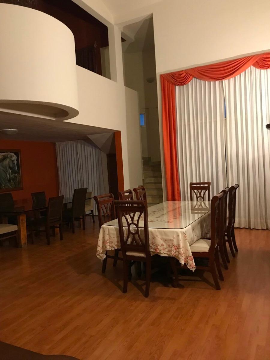 rento cuarto amueblado con baño, penthouse, mejor vista qro