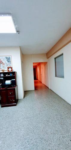 rento de 300 mts2 de oficina en colonia escalon