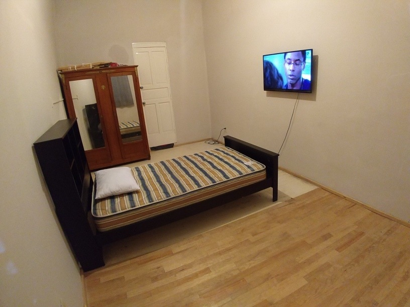 rento habitación . dentro de departamento.