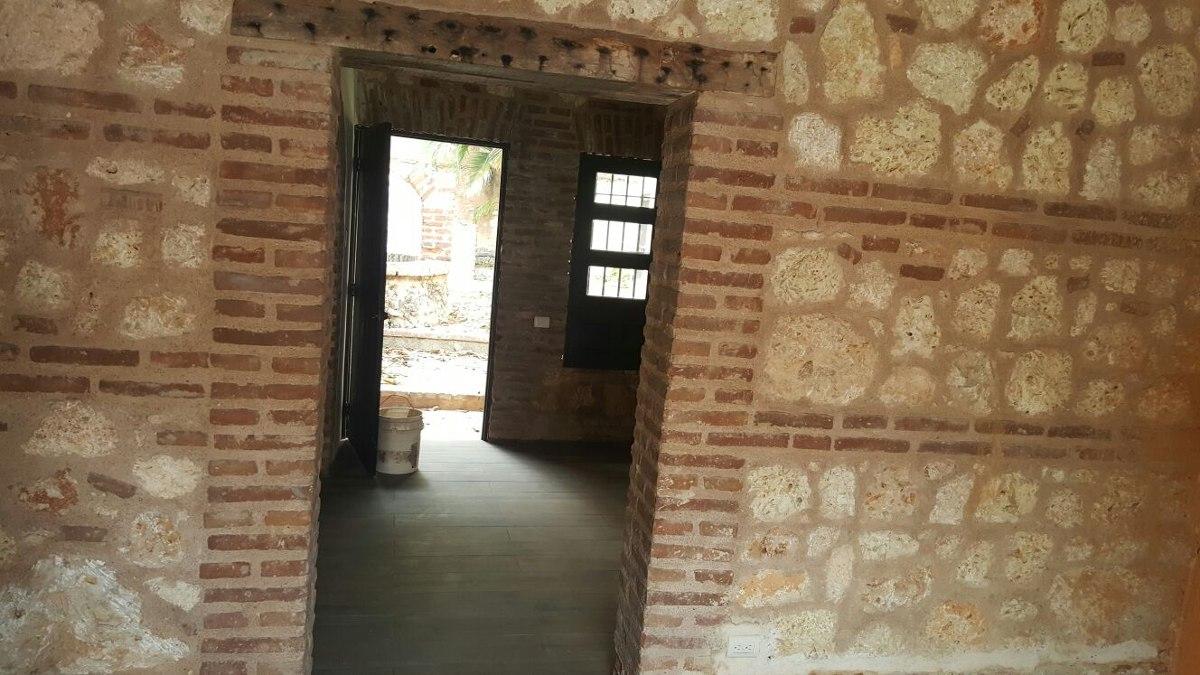 rento hermosa casa colonia en zona colonial, sto;dgo.