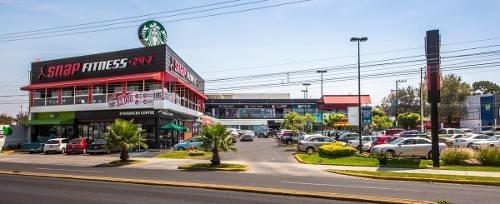 rento local en plaza ubika los robles