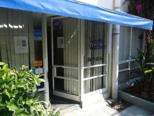rento local o oficinas  atrás de plaza satélite