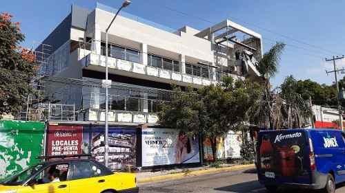 rento locales comerciales por centro médico