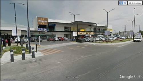 rento locales en plaza comercial en carretera a vallarta