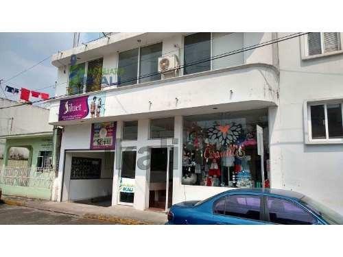 rento oficina chica centro de tuxpan veracruz planta alta 8 m², se encuentra ubicada en la calle allende 18 en un edificio nuevo, a unos metros del parque reforma, telmex, salinas y rocha, etc., 1 ba