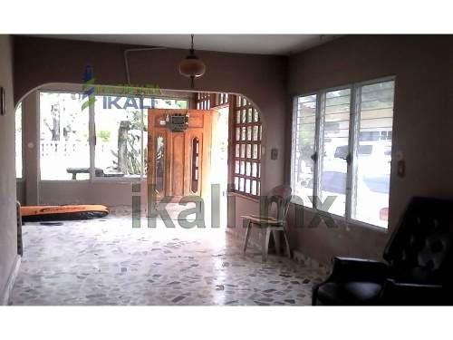 rento oficina santiago de la peña tuxpan veracruz 36 m², se encuentra ubicado en la calle recreo esquina con calle artesanos en la planta baja, cuenta con 36 m², 2 habitaciones, 1 baño, comedor, coci