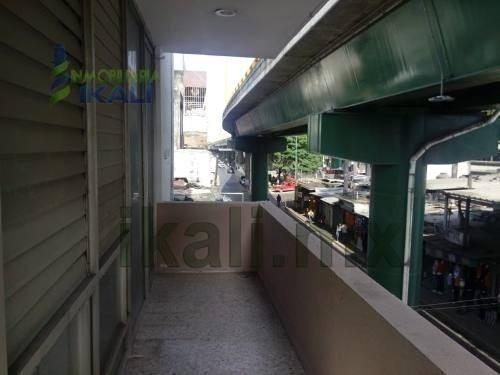 rento oficinas 1er y 2do piso edificio col. tajin poza rica. el primer piso tiene consta de 3 oficinas y 2 baños completos, en el 2 piso 220 m² tiene 4 oficinas y 2 baños, el edificio cuenta con pozo