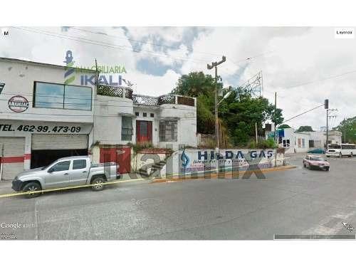 rento terreno comercial 352.75 m² tuxpan veracruz, se encuentra ubicado en el bulevar independencia frente al río y a un costado de carne mart, el terreno cuenta con 352.75 m², son 20.75 m de frente