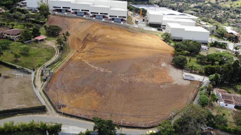 rento terreno industrial en copacabana