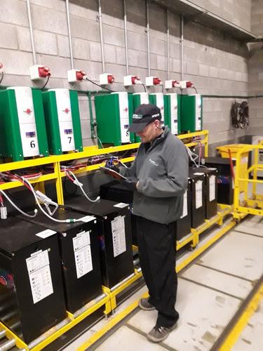 reparación baterías cargadores autoelevadores industriales