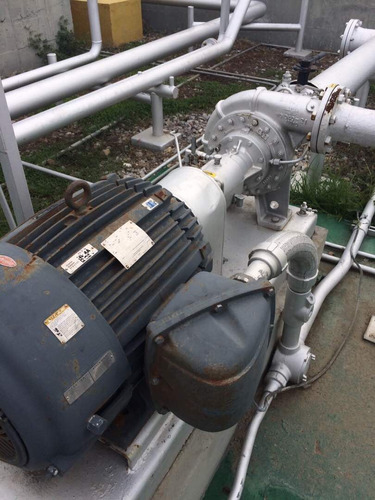 reparación de bombas industriales y sistema de control