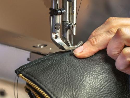 reparación de calzado-valijas-carteras-arreglos de ropa