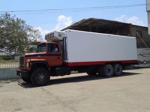 reparacion de cavas de fibra de vidrio en camiones