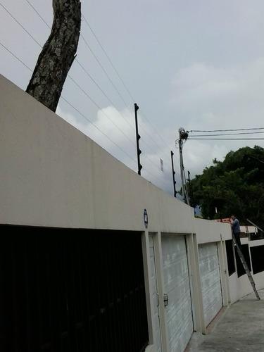 reparacion de cercas eléctricas y alambre de navaja