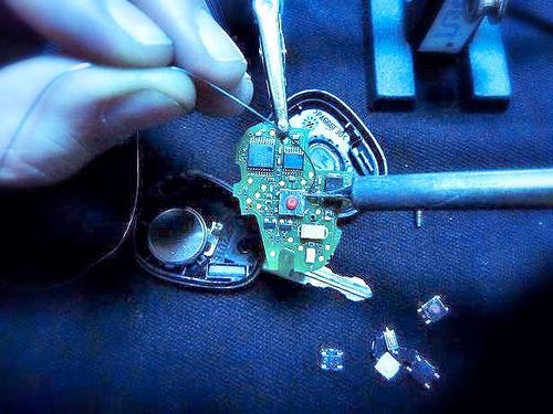 reparación de controles remotos de acceso