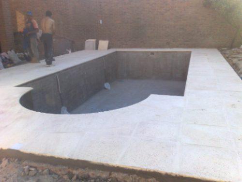Reparaci n de piscinas de hormig n pintura for Reparacion de piscinas