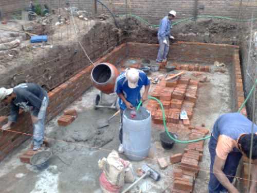 reparación de piscinas de hormigón - pintura- revestimiento