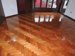 reparación e instalacón de pisos de parquet machihembrados