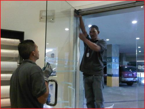 reparación mantenimiento puerta vidrio ,frenos,baños