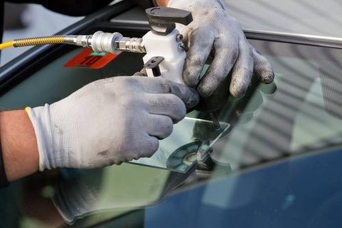 reparación y cambio parabrisas - cristalauto