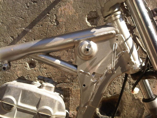 reparacion y enderezado de motos chocadas y siniestradas.