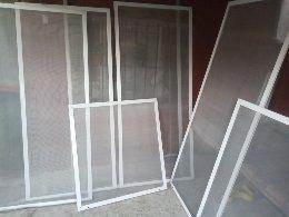 reparación y fabricación de mosquiteros a medidas