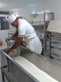 reparacion y fabricacion de tinas para cuajado de queso