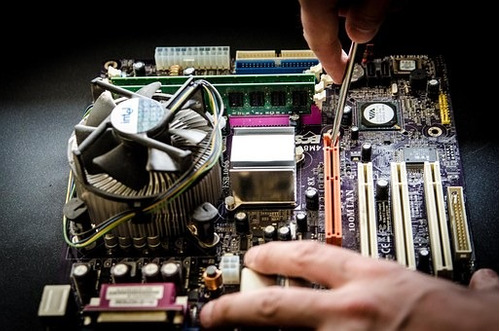 reparacion y mantenimiento de computadoras. redes. asesoria