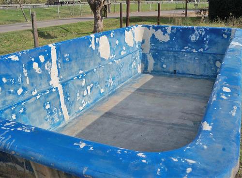 reparación y pintura de piscinas de fibra de vidrio