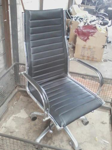 reparación y tapizados de silla de oficina ,taburetes,mueble