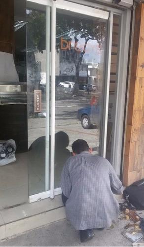 reparacion.mantenimiento.puertas .vidrio. instalar.frenos