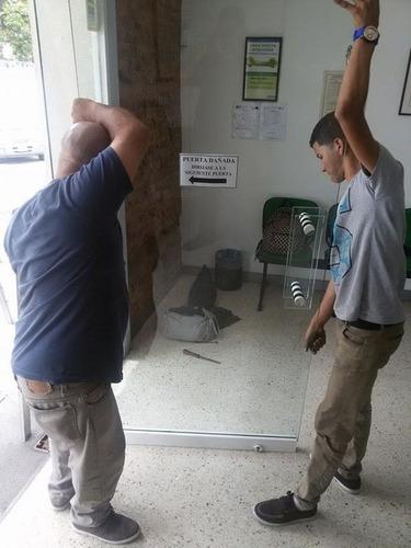 repararacion,manten,puerta de vidrio cristal instala frenos