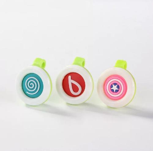 repelente bebés botón