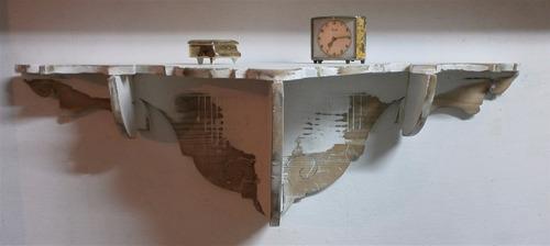 repisa antigua, en madera, reciclada. 21 x 67 cm