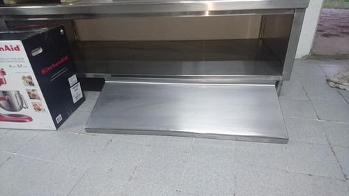 repisa de  1 metro x 30  fabricada en acero inoxidable