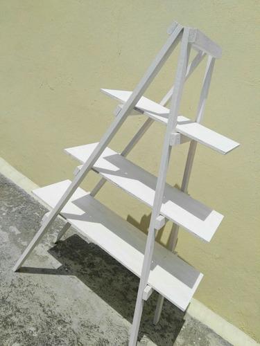 Repisa de madera mueble de madera para mesas de dulces for Muebles para escaleras madera