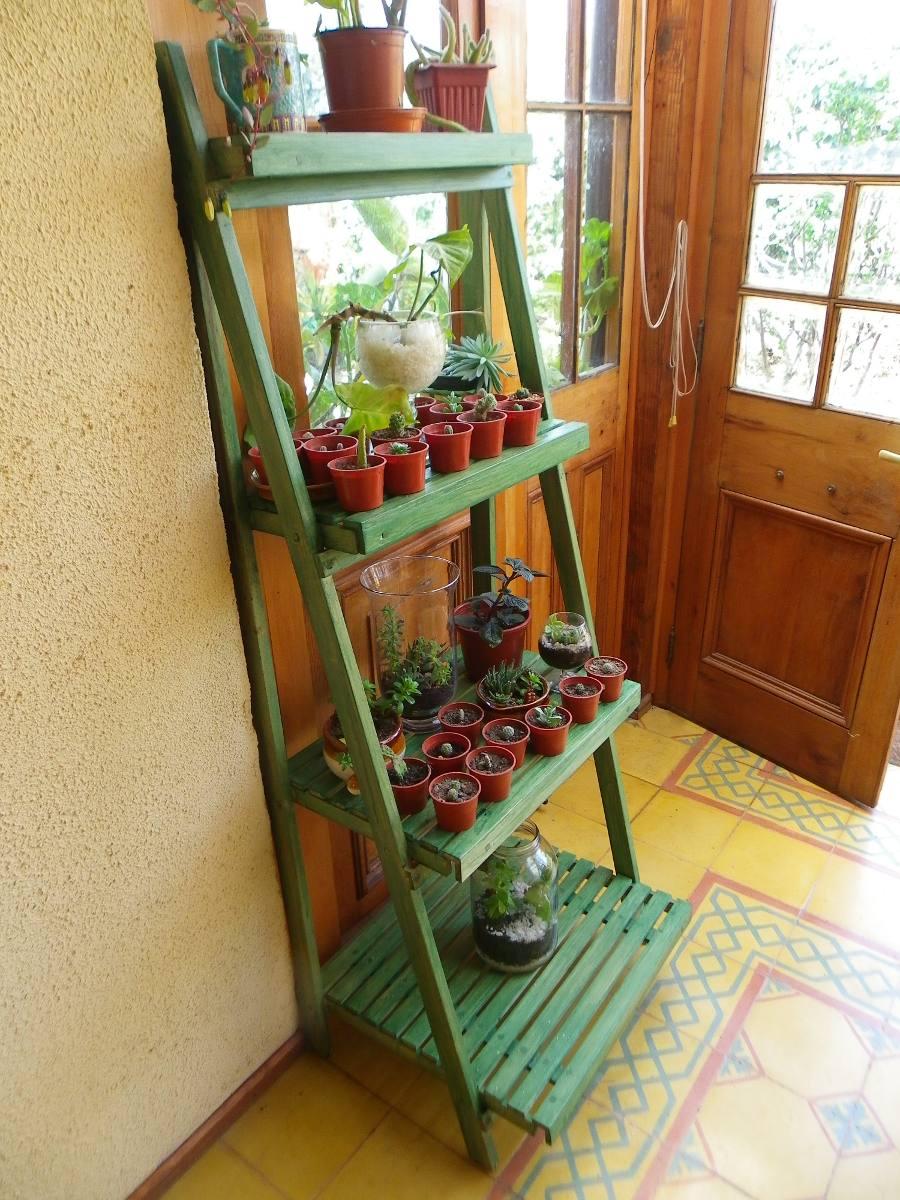 Mueble para plantas ideas de disenos for Mueble para plantas exterior