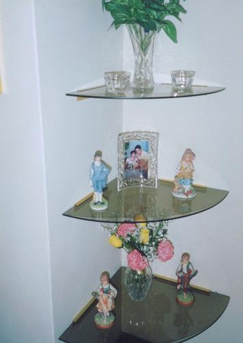Repisas y esquineros en vidrio cristal sistema for Muebles esquineros para sala