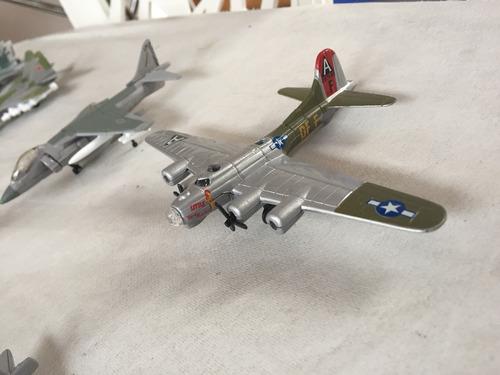 replica de aviones a escala miniatura